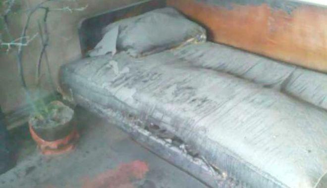 Foto: Şi-a ucis soția, apoi i-a incendiat casa, imediat după divorț. Soacra lui a fost rănită, dar a murit la spital