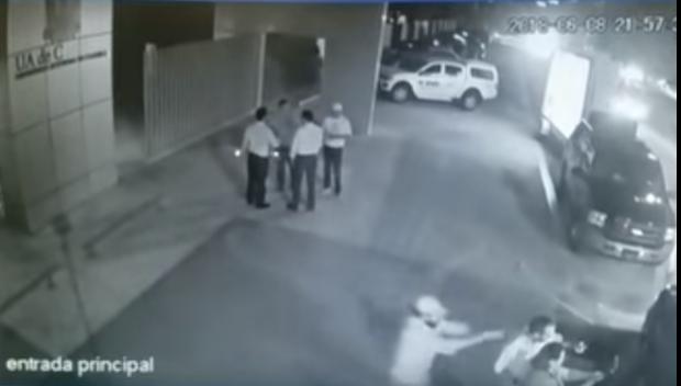Foto: Român executat în stil mafiot pe o stradă din Cancun. A fost împuşcat în cap prin luneta maşinii