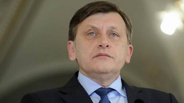 Foto: Crin Antonescu, REACŢIE la zvonurile privind neincluderea lui pe lista PNL la europarlamentare