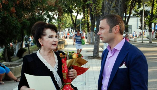 Primarul Cristian Radu a recompensat-o pe Aneta Stan cu o stea pe