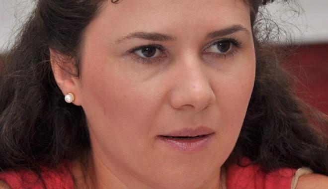 Ce reprezentante ale sexului frumos intră în lupta electorală din Constanţa - cristinadincu1-1352827507.jpg