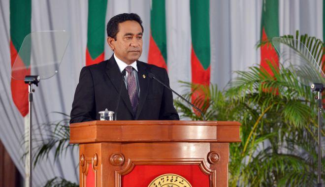 Foto: Criză politică în Maldive: Guvernul avertizează Curtea Supremă