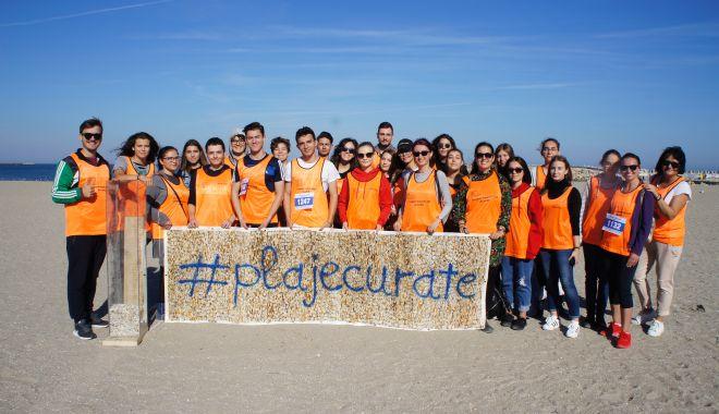 Foto: Constănţenii au alergat pentru a păstra Marea Neagră curată