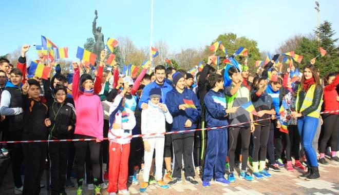 Foto: Constănţenii au sărbătorit Ziua Naţională în paşi de alergare