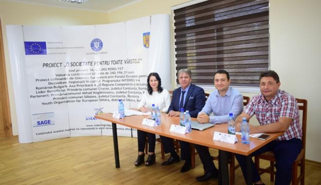 """Foto: Primăria Crucea a lansat proiectul """"O societate pentru toate vârstele"""". """"Avem nevoie de personal calificat"""""""