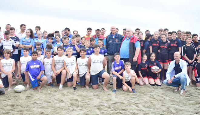 """Foto: CS Cleopatra, de neoprit în Turneul """"Oval 5 Beach Rugby Romania"""""""