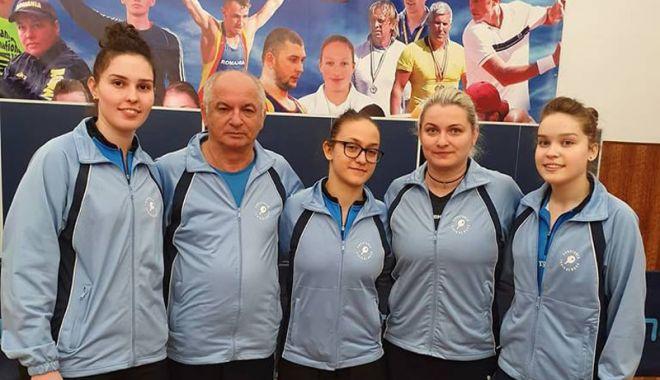 Foto: CS Farul s-a calificat  în finala Superligii feminine la tenis de masă