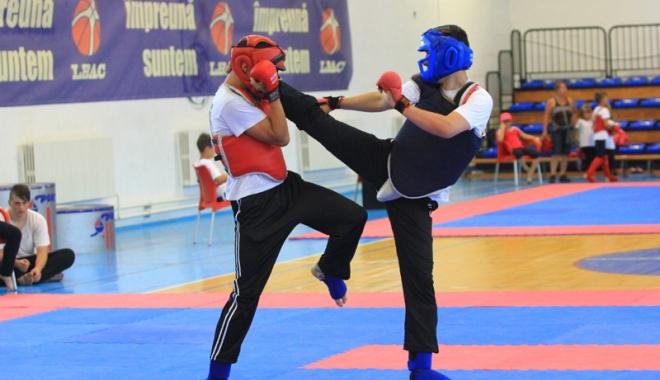 Foto: Antrenamente de Kung-Fu, la CS Marea Neagră