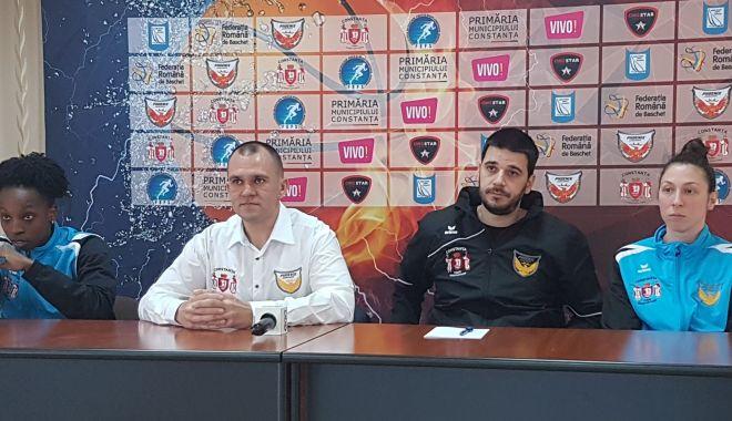 Foto: CS Phoenix-Ştiinţa începe asaltul către Final Four-ul Cupei României