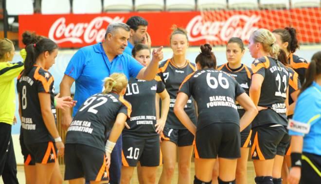 Foto: Handbal feminin: CSU Neptun a închiat sezonul regulat cu o înfrângere