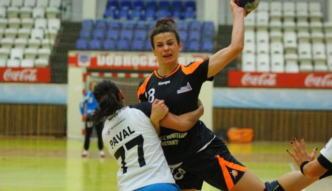 Foto: Galerie FOTO. Handbal feminin: CSU Neptun, eşec usturător cu CSM Bucureşti
