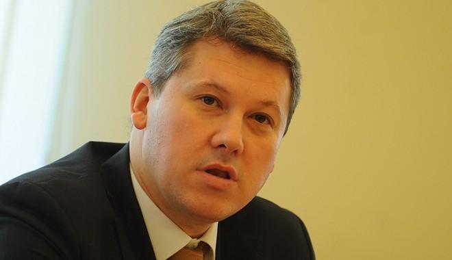 Foto: Predoiu nu este de acord cu numele noului partid