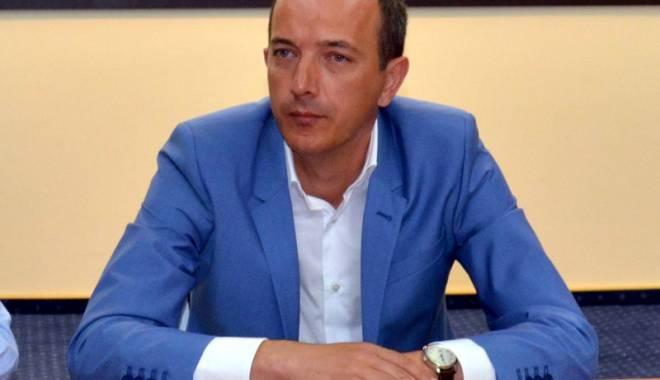 """Foto: Cum a ajuns Robert Boroianu în """"casele"""" constănţenilor. """"Nu sunt un politician fantomă"""""""