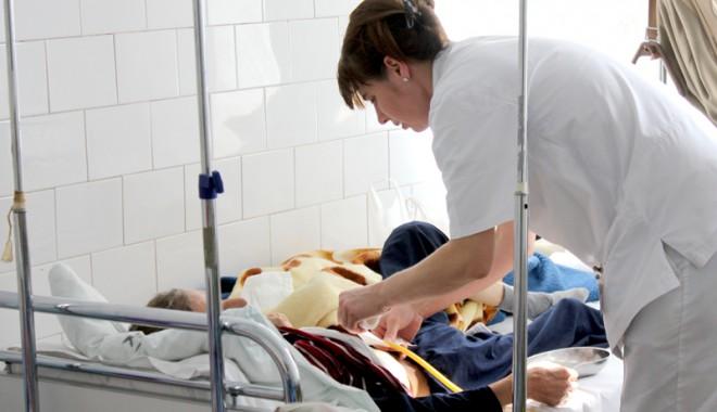 Foto: Cum ar putea fi recunoscute diplomele asistenţilor medicali în străinătate
