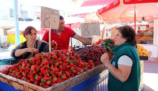 """Cum ne păcălesc tarabagiii cu fructele şi legumele """"româneşti"""" din… Grecia - cumnepacalesc-1400603831.jpg"""