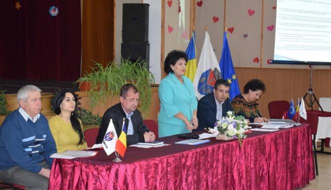Foto: Primăria Cumpăna, dezbatere privind bugetul comunei