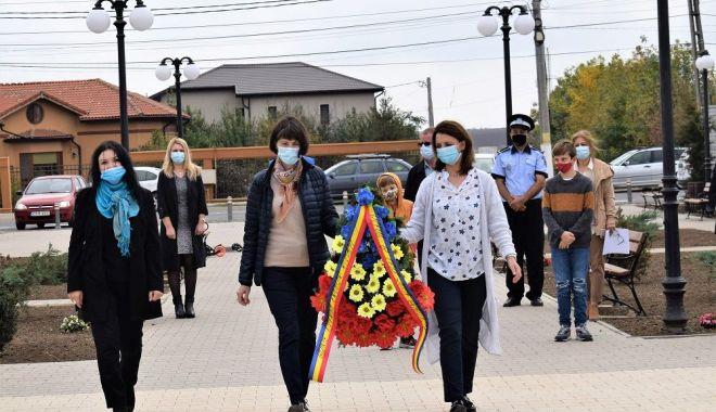 Administraţia locală din Cumpăna a marcat Ziua Armatei Române - cumpana2-1603731808.jpg