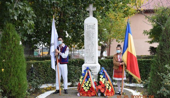 Administraţia locală din Cumpăna a marcat Ziua Armatei Române - cumpana3-1603731820.jpg