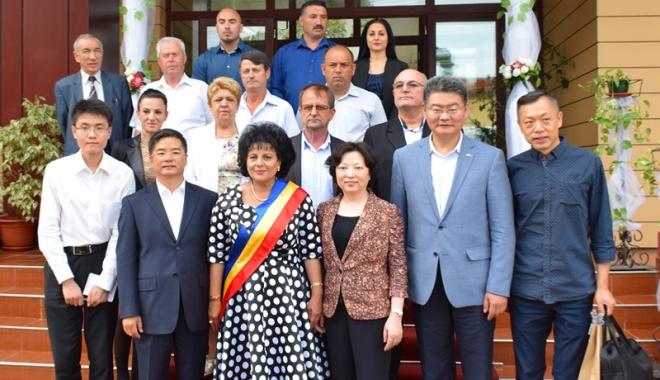 Foto: Chinezii, interesaţi de a dezvolta afaceri în comuna Cumpăna