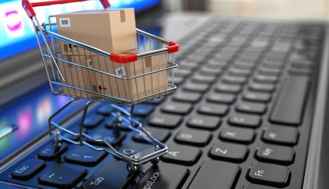 Foto: Cumpăraţi online? Poliţiştii vă recomandă să aveţi grijă la tranzacţii