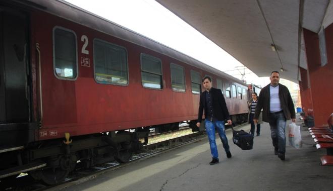 Foto: Cum pot călători studenţii gratuit cu trenul