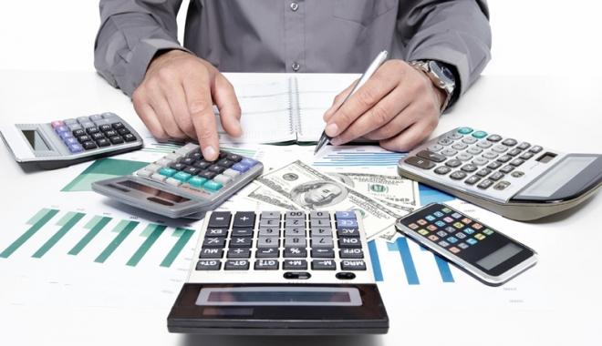 Foto: Cum poţi scăpa de comisioanele abuzive din contractele de credit