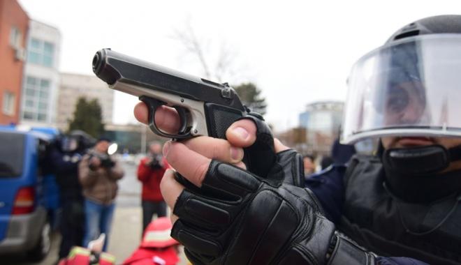 Foto: Cum puteţi pierde dreptul de a deţine şi folosi arme legale