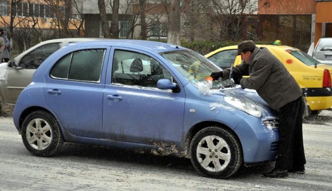 Foto: Cum să îţi protejezi maşina pe timp de iarnă