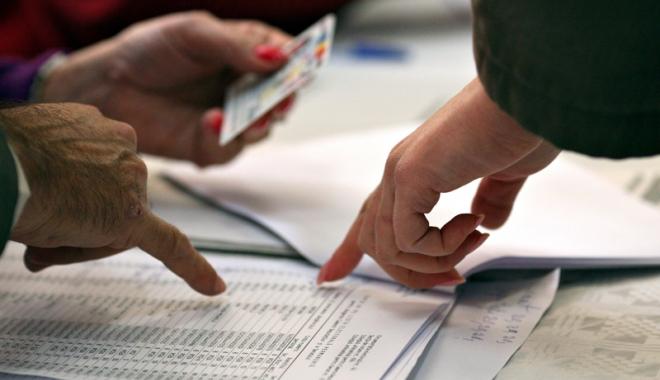 Foto: Cum se eliberează cartea de identitate şi ce taxe trebuie plătite