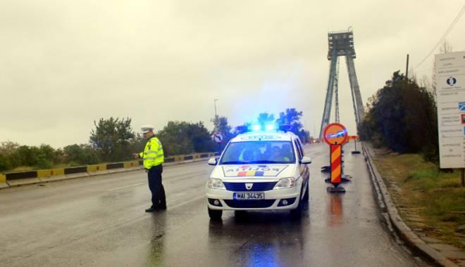 Foto: Cum se circul� pe podul Agigea s�pt�m�na aceasta