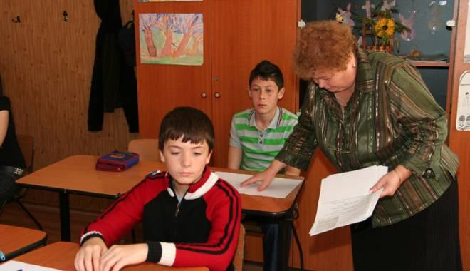 Foto: Cum se vor compensa orele pe care  le lucrează profesorii sâmbătă, pe 24 ianuarie