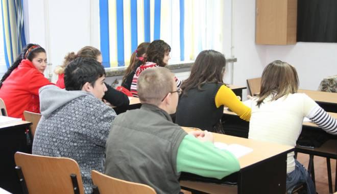 Foto: Cum stabileşte ISJ cifrele de şcolarizare pentru învăţământul profesional