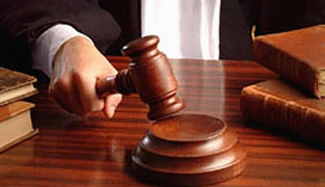 Șpagă la bac, la Mangalia. Cum voia fostul decan Amza să-i păcălească pe judecători - cumvoiafostuldecansapacaleasca-1413483605.jpg