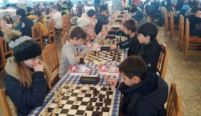 Foto: Cupa 1 Decembrie la şah şi-a desemnat campionii