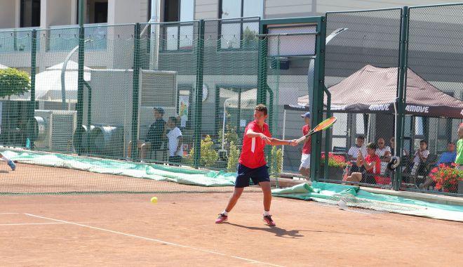 La orizont, Cupa Bright OCH la tenis.