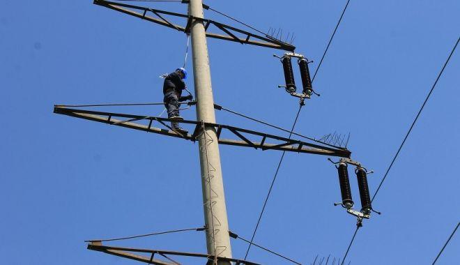 Mai multe localități din județ, fără curent electric - curent-1581618323.jpg