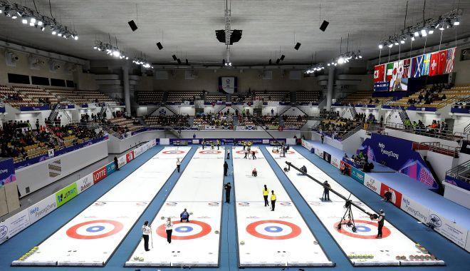 Foto: Încep Jocurile  Olimpice de Iarnă!  Curlingul are onoarea de a deschide balul