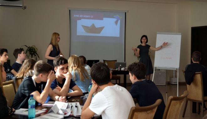 Cursuri interactive de management de proiect pentru tinerii liceeni din Constanţa - cursinteractiv1-1527180641.jpg