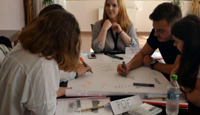 Cursuri interactive de management de proiect pentru tinerii liceeni din Constanţa - cursinteractiv2-1527180654.jpg