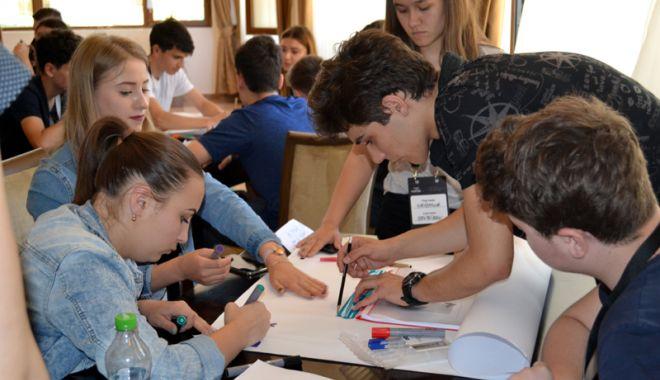 Cursuri interactive de management de proiect pentru tinerii liceeni din Constanţa - cursinteractiv4-1527180669.jpg