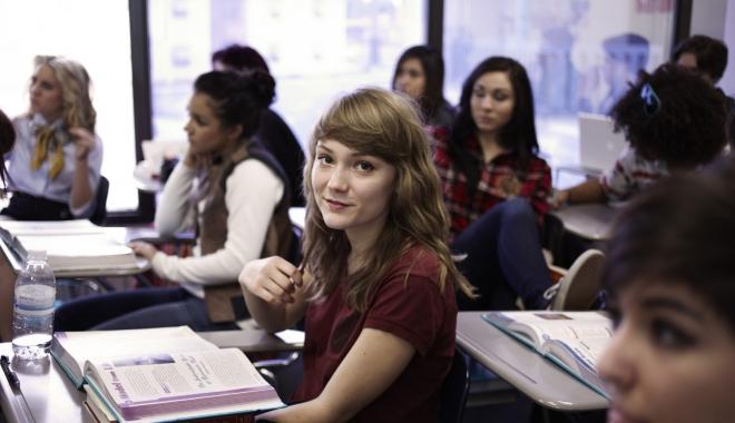 Foto: Tinerii care încep cursurile înainte de ora 8.30 pot dezvolta probleme mentale