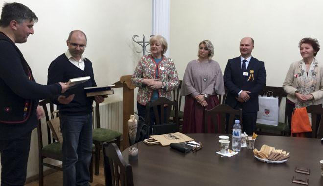 Foto: Cursuri de meşteşuguri şi cercetări în teren în Dobrogea şi Republica Moldova