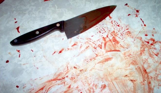 Foto: Bărbat înjunghiat de concubina acestuia, după o ceartă, la Cernavodă