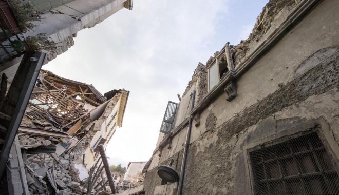 Image result for cutremure cladiri imagini