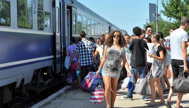 Foto: TRENURILE SOARELUI PORNESC SPRE MARE. CFR Călători lansează astăzi programul estival