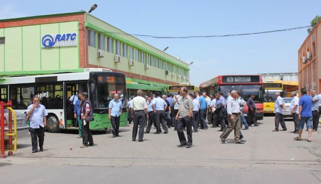 Foto: Grevă la RATC / 200 de lei în plus la salariu, dar şoferii sunt de neclintit!