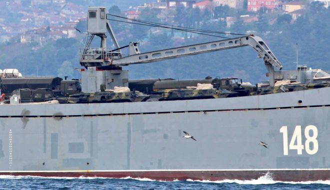 GALERIE FOTO / Nave de război ruse încărcate cu tancuri şi echipamente militare, reperate în drum spre Siria - da1xn8w0aaewad-1523893071.jpg