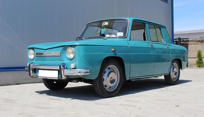 Foto: GALERIE FOTO / Istorie vie! Dacia, maşina care a pus România pe roţi