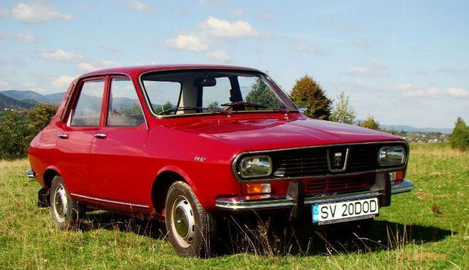 GALERIE FOTO / Istorie vie! Dacia, maşina care a pus România pe roţi - dacia2-1534769506.jpg