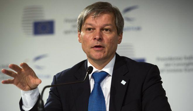 """Foto: Dacian Cioloș, atac la PNL:  """"Refuză cu obstinație să se reformeze"""""""